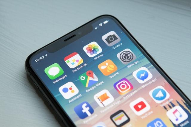 Sosiale medier på mobil